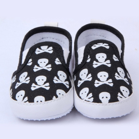 Boutique Other - NEW! Baby's First Skull Booties/Shoes sz 0-6 mo